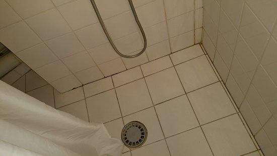 Douche Avec Rideau Au Sol Et  U00e9vacuation En Plastique Sans