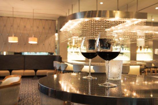 Hilton Colon Guayaquil: Atrium Bar