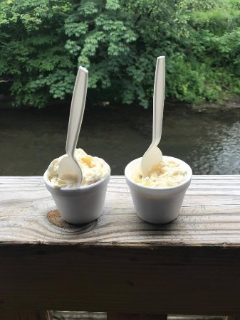 Blairsville, GA: Butter Pecan ice cream (a must have) by the river.