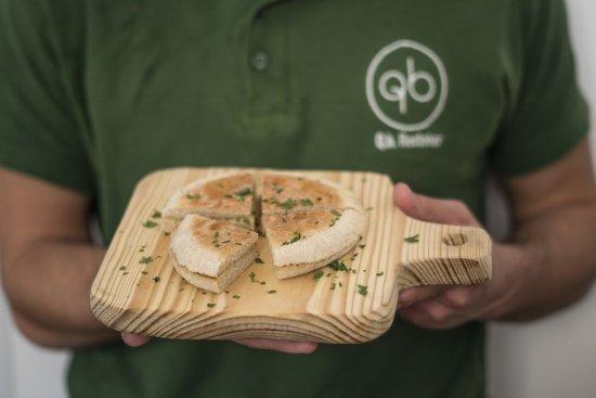 Lousa, โปรตุเกส: Bolo do caco com manteiga de alho