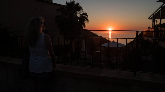 Estellencs, Spania: sundowner at Vall- Hermos