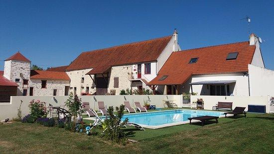 La Maison Rouge   Prices U0026 Bu0026B Reviews (Ladoix Serrigny, France   Burgundy)    TripAdvisor