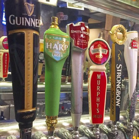 Covington, Georgien: All of your favorite beers on tap, from Guinness to local craft beer.