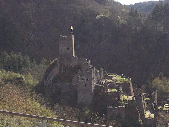 Manderscheid, Niemcy: Blick aus dem Panoramafenster im Frühstücksraum