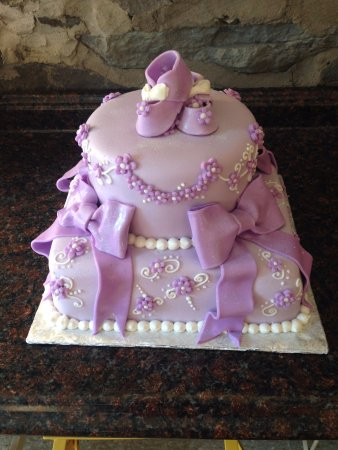 Lavender slippers baby shower cake  - Picture of Merry's