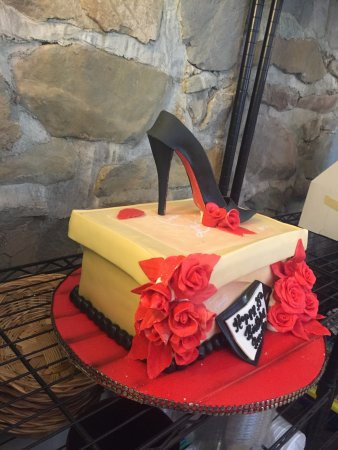 Merrys Custom Cakes Bakery Design Studio Edible Shoe Birthday Cake