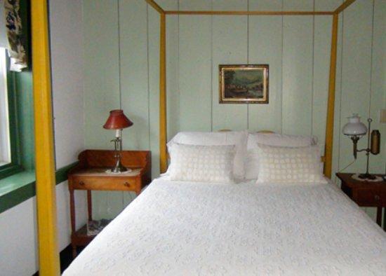 Rebersburg, Πενσυλβάνια: Room #2 queen bed.