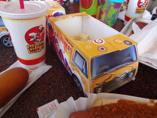 Richmond, IL: Kids meals came in cardboard vans