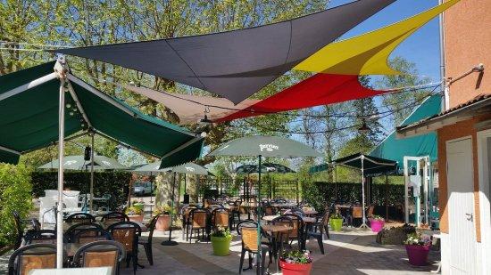 Miribel, France: Terrasse