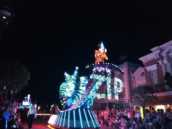 Hong Kong Disneyland : IMG_20170626_202700_large.jpg