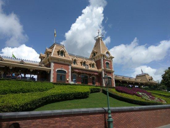 Hong Kong Disneyland : IMG_20170626_103339_large.jpg