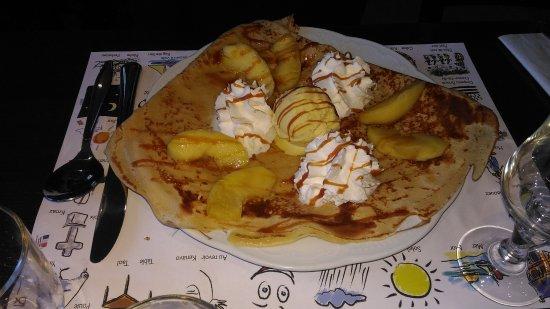 Fouesnant, França: Crêpe dessert :)