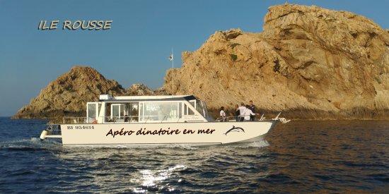 Apéro en mer à Ile Rousse à bord de Hors Pistes