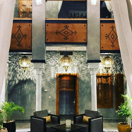 Riad l'Etoile d'Orient: Beautiful riad in the heart of the busy medina.