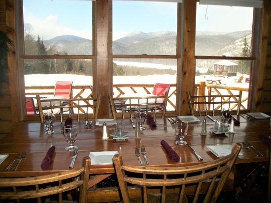 North River, Nowy Jork: Dine with a view at the Log House Restaurant and Pub