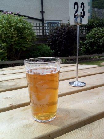 Pooley Bridge, UK: beer in the garden