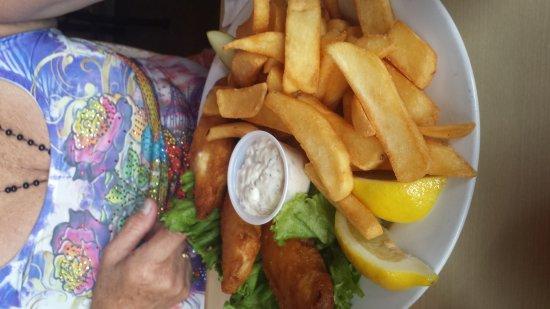 Marina, CA: Their pub food is great!!