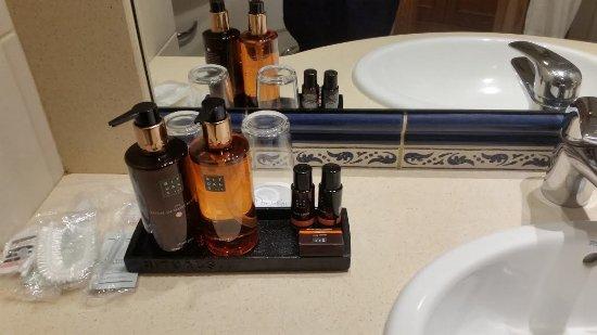 Porto Santa Maria Hotel: Heerlijke Ritualsproducten op de badkamer