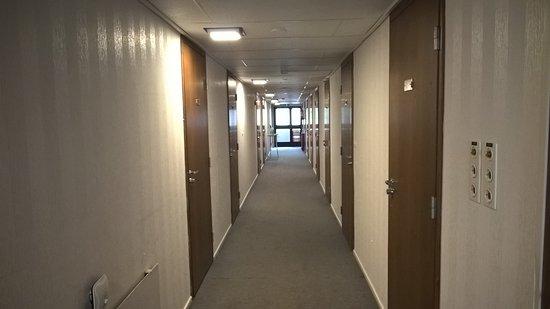 Mantta, Finlandia: Kaikki huoneet yhden käytävän varrella