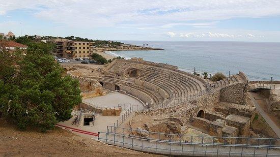 Римский амфитеатр: Амфитеатр