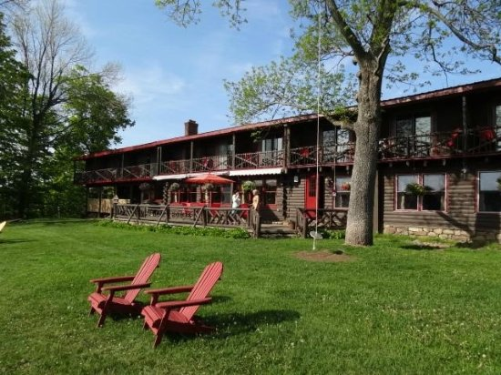 North River, NY: Lounge on an Adirondack chair and take in the view or 13th lake and surrounding mountains