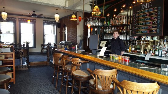 Montpelier, VT: Main Bar