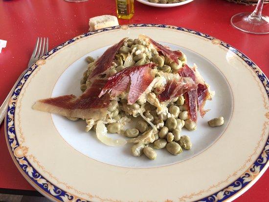 Meson Casa del Monte: Geweldig tuinbonen gerecht met ei en iberico ham