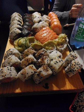 Tataki Restaurante Peruano Japones: sushi