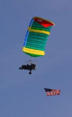 พรอสเซอร์, วอชิงตัน: Flying the flag.