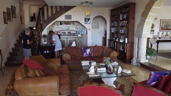 La Locandiera: Daniela's Family Room
