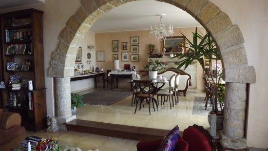 La Locandiera: Daniela's Dining Room
