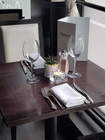 Owens: window table for 2