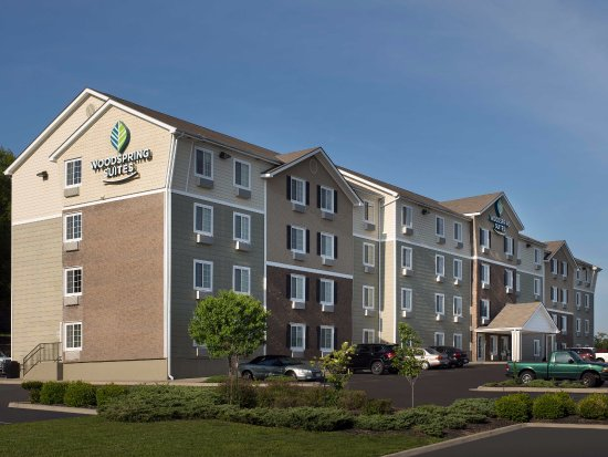 WoodSpring Suites Kansas City Mission Photo