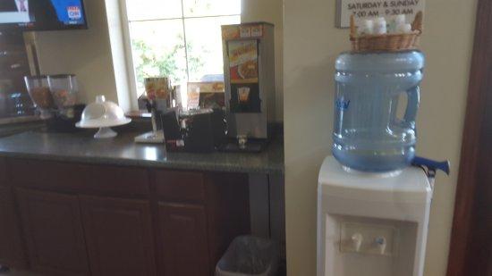 Cle Elum, Вашингтон: water, waffle, nice, hard-boiled eggs, cereal