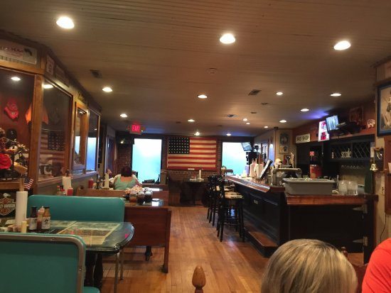 John T's BBQ, Winchester, TN - upstairs dining area