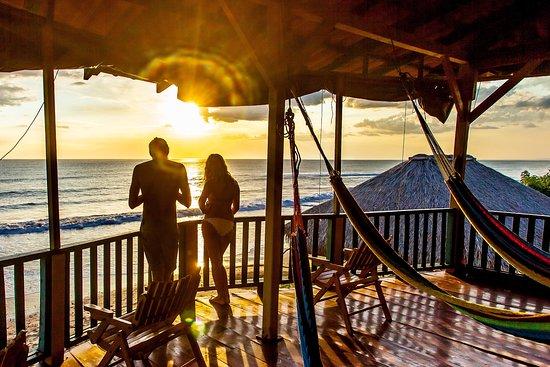 Puerto Sandino, Никарагуа: Amazing Daily Sunset at La Barra