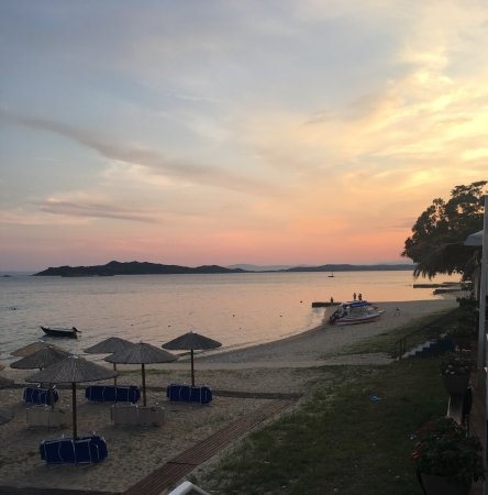 Ouranoupoli, Greece: Wonderful sunset from the restaurant