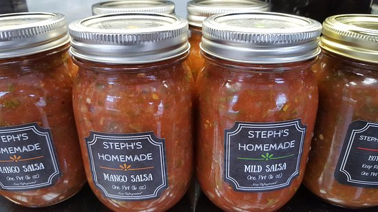 Sauk Rapids, มินนิโซตา: Steph's Homemade Mild, Hot, or Mango Salsa sold here!