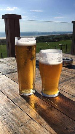 Llanaber, UK: Sunshine & Beer