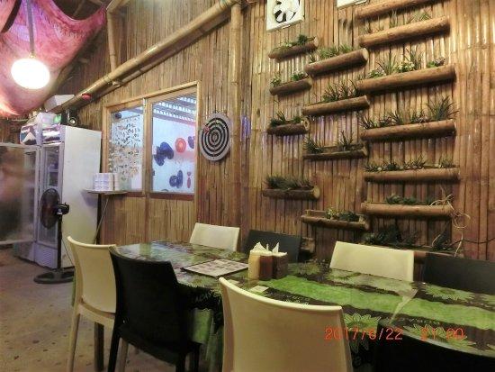 Malay, Filippinene: 店内でダーツが出来ます
