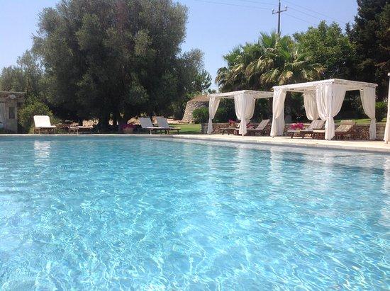 Piscine D Eau Salee Avec Matelas Bouillonnant Picture Of Hotel The