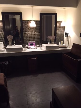 The changing room - Picture of Mandala Day Spa, Budapest - TripAdvisor