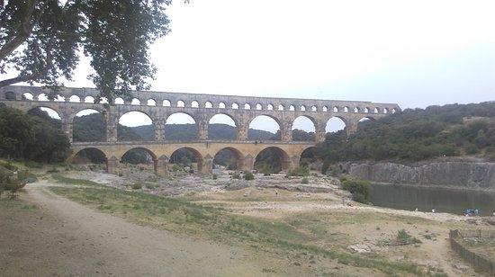 Remoulins, France: IMAG0475_large.jpg