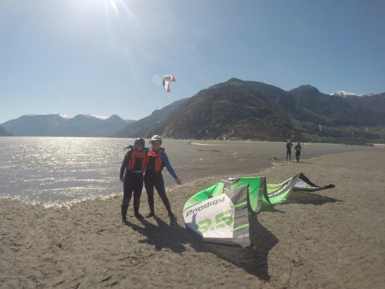 Squamish, Canada: Practice launching safely from the beach at low tide