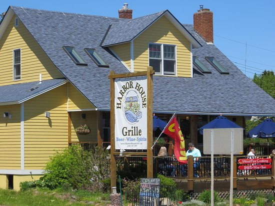 Grand Marais, MN: Front entrance and deck