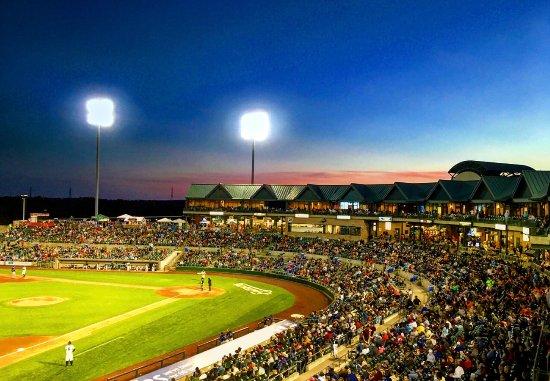 Bridgewater, NJ: Picture perfect night to enjoy Patriots Baseball