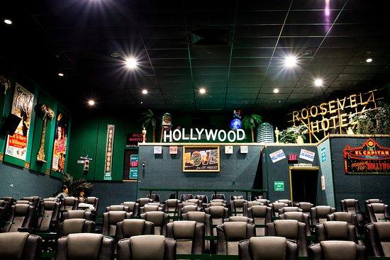 Woodridge, IL: Classic Hollywood at its finest!