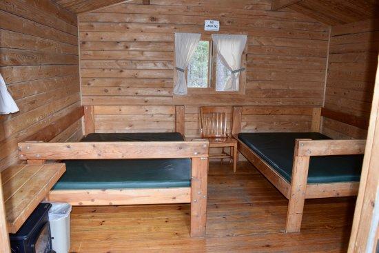 La Pine, Oregón: inside cabin #3