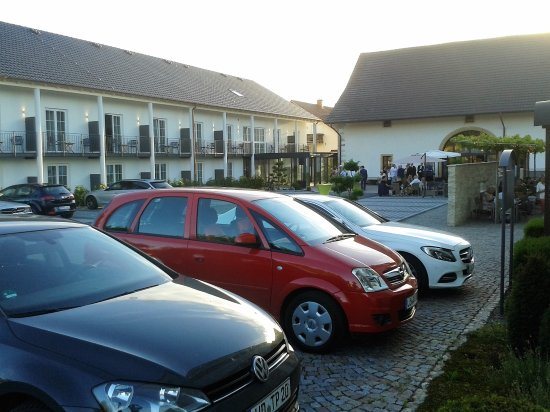 Auggen, ألمانيا: Links: Neubau