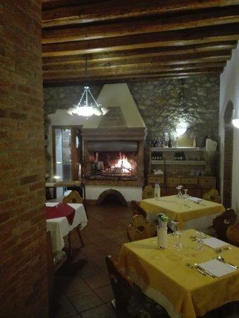San Pietro in Cariano, Italia: IMG_20170626_201434_large.jpg